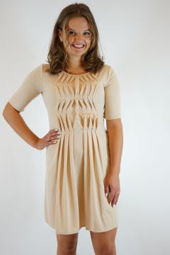 Licht beige jurk