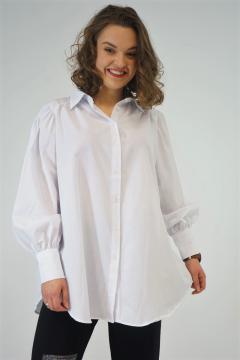 Witte blouse met lichte pofmouw