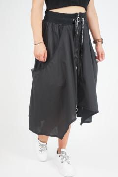 Zwarte rok met rits